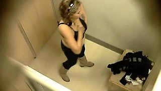 Crossdresser Amateur Striptease