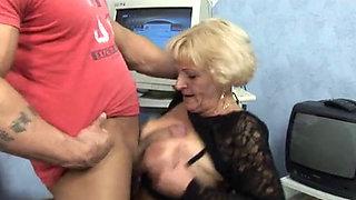 Private Lustschweine - Oma Ist Die Beste