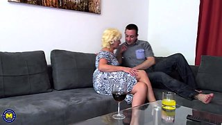 Naughty mature lady fucking and sucking