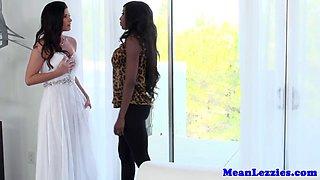 Ebony lez Diamond Jackson seduces bride to be