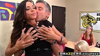 Brazzers - Big Tits at School - Ariella Ferre