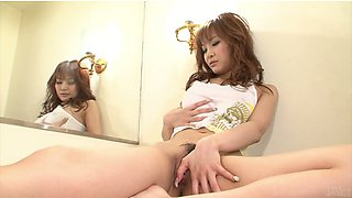 Attractive Misa Kikouden squirting pee into the toilet