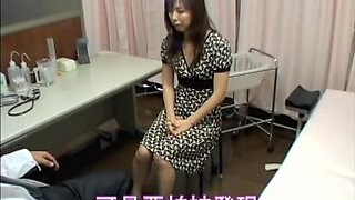 Spy cam films a cute Asian coquette who visited the doctor