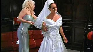 Making a lustful bride cum hard dicking her ruthlessly