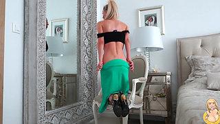 Sexy Venera - Green Skirt