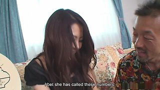 Lonely and young housewife Arisa feeds a man and get fucked