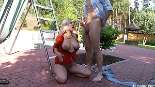 Nathaly Gets A Warm Shower