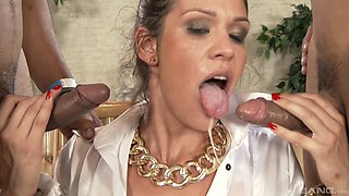 Brunette babe Samia Duarte likes to suck two dicks at once