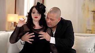 Beauty Harmony Reigns Gets Consoled By His Hard Cock