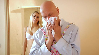 Panty sniffer gets a nice BJ