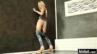 hot blonde wants to have fun