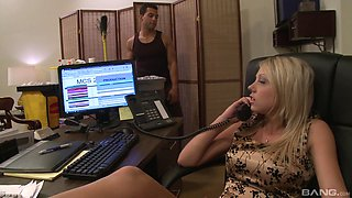 Blonde hotness Kara Mynor is thrilled to hump a pulsating cock