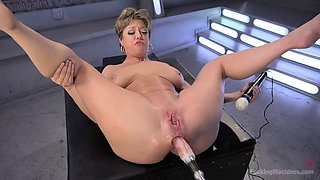 fucking machine makes busty mom darling squirt hard