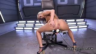 Blonde fucks machine and vives clit