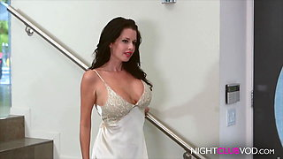 MILF DREAM, DO U WANT FUCK HER ? COMMENT