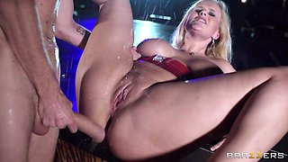 Squirting On The Stage
