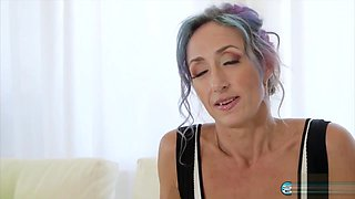 44 Years Old Cougar Sadie Sommerville_720p
