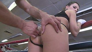 Dude finger fucks anus of Nikita Bellucci before rough anal pounding