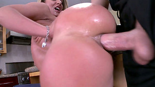Sheena Shaw in hardcore anal sex in her bedroom