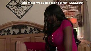 Erotic ebony MILF Diamond Jackson seduces a young big dick- Naughty America