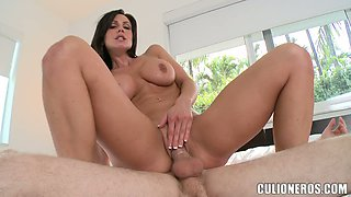 Kendra Lust enjoys oral sex and gets her stunning snatch pounded