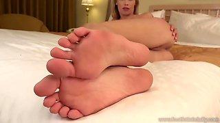 erotic feet - dakota james living photos