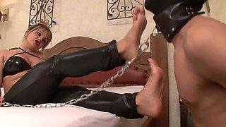 Foot worship mistress 1