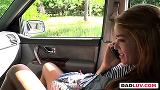 Young babe blowing dick in car