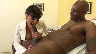 A hung black guy slams the hell out of a sexy white doctor