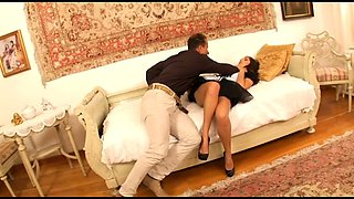 Romantic cutie Jay Dee provides lucky stud with unforgettable BJ