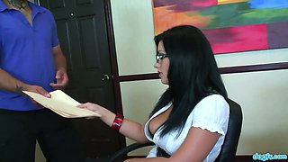 Oversexed secretary Angelica Raven is fucked right in the office