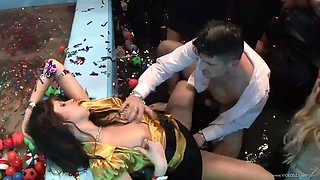 party time with drunk hotties and horny guys
