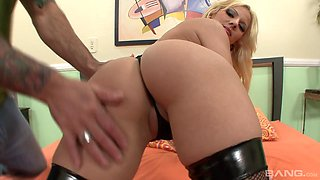 Huge-titted blonde Lilith Lavey bouncing on a throbbing boner