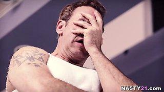 Oh, Daddy fuck me harder please! - Jessa Rhodes, Piper Perri