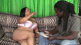 Chubby white BBW Lady Spice blows BBC before topping black stud