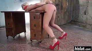 Blonde blanche gets her cunt punished