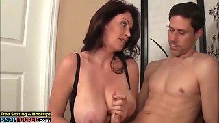 Stunning mature milf made her roommate cum twice