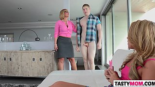 fun to fondle hot stepmom melanie monroe feature