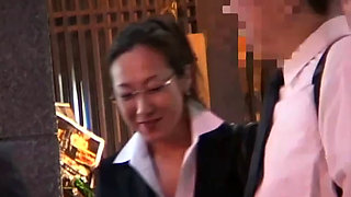 Asian Bussiness Lady And A Big Dick get it on