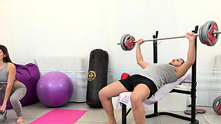 Pissy Workout Fun For Brunette Gym Babe